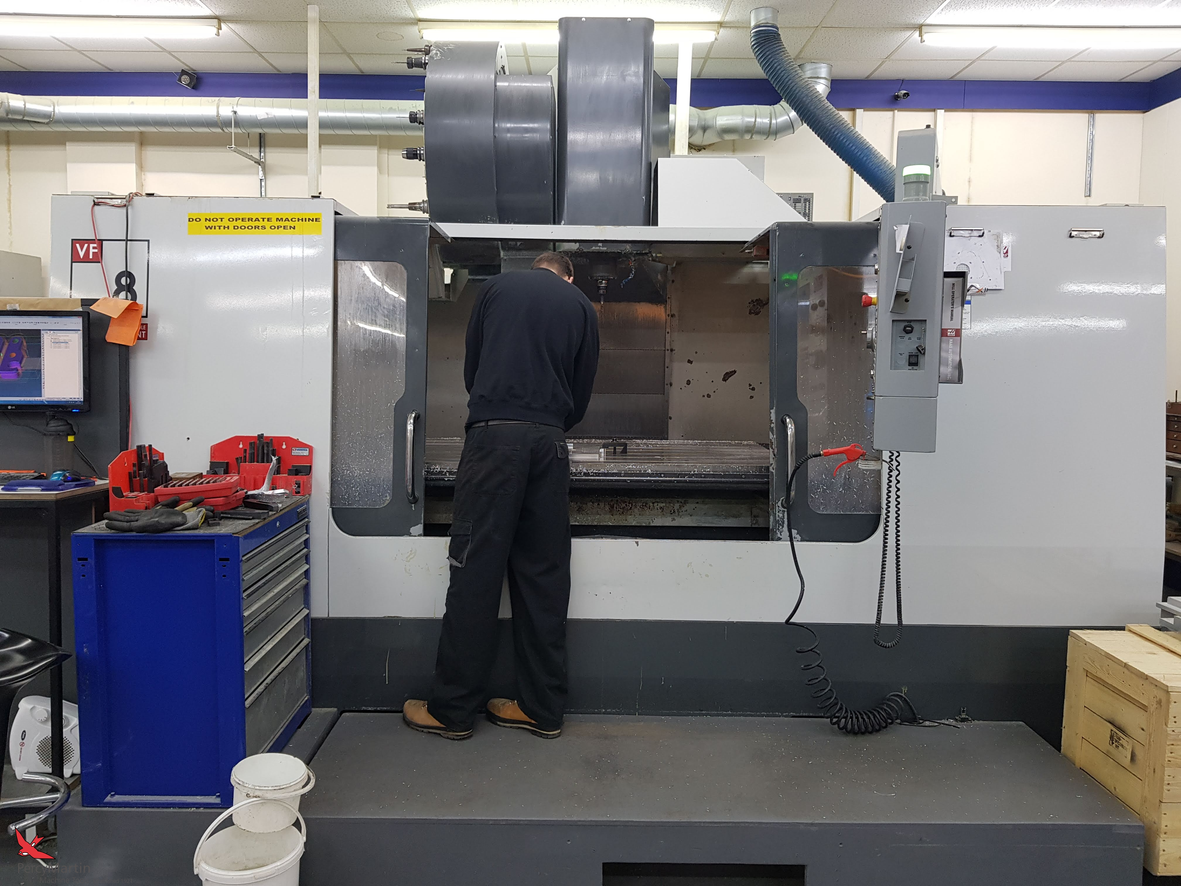 used HAAS VF-8 2007 Vertical Machining Centres for sale